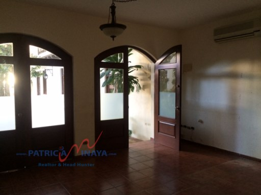 vendo Local Comercial 28mts , Zona Colonial |