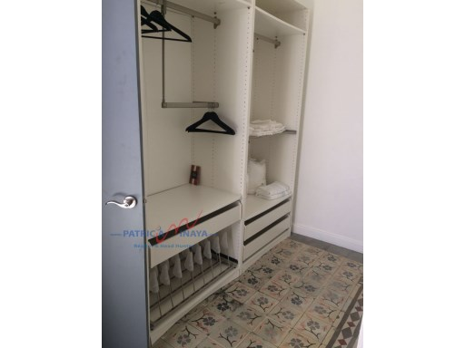 Walk-in Closet - Casa amueblada Zona Colonial%8/13