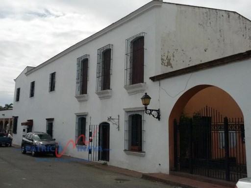 Colonial house of the XVIth century for sale or rent, Zona Colonial, Santo Domingo. |