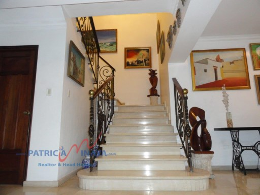 Escalera - Penthouse PH en Bella Vista%4/10