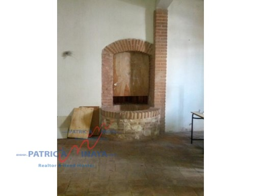First level in rent, local in Plaza España, good location, Colonial Zone , Santo Domin (8)%8/9