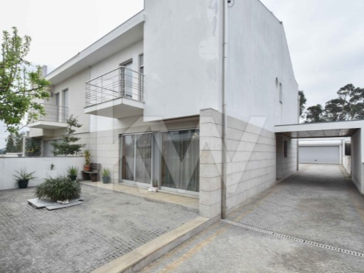 House › Maia | 4 Bedrooms + 1 Interior Bedroom | 3WC