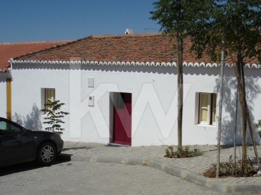 House › Mértola | 3 Bedrooms + 1 Interior Bedroom