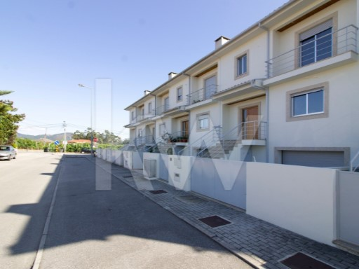 House › Amares | 3 Bedrooms | 3WC
