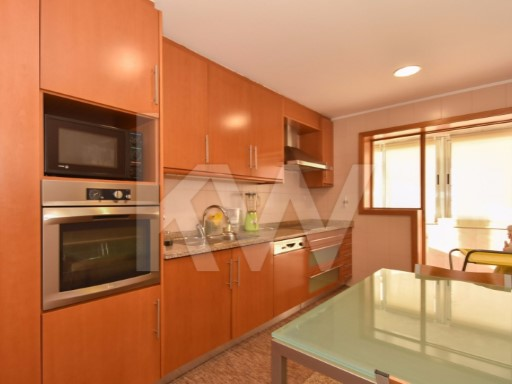 Apartment › Vila Nova de Gaia | 3 Bedrooms + 1 Interior Bedroom