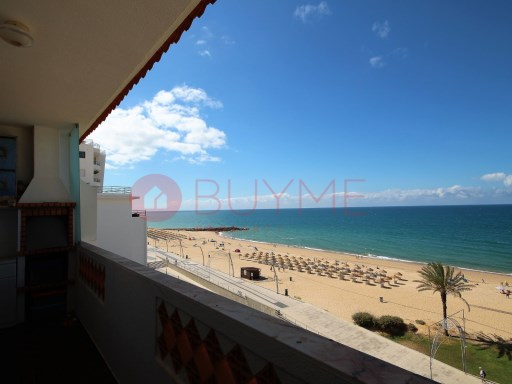 Apartment for sale 2 bedrooms located on first line of Quarteira with sea view. | 2 Bedrooms | 2WC