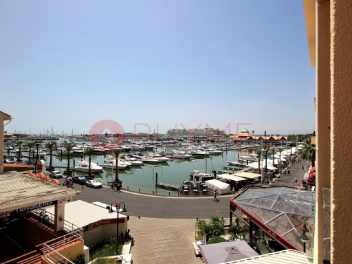 T2 +1 Duplex for sale in Vilamoura Marina | 2 Bedrooms + 1 Interior Bedroom | 1WC