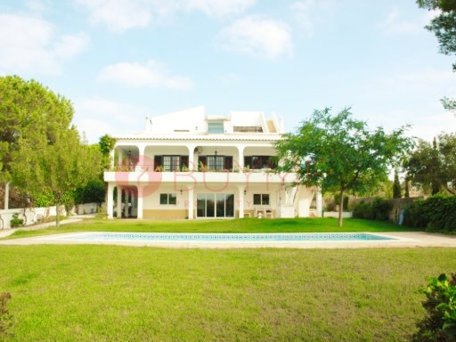 Moradia M6 privada em Alvor | 6 Bedrooms | 4WC