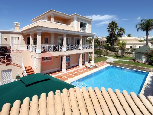 Detached House of 3 floors with sea view | 3 Bedrooms + 2 Interior Bedrooms | 5WC