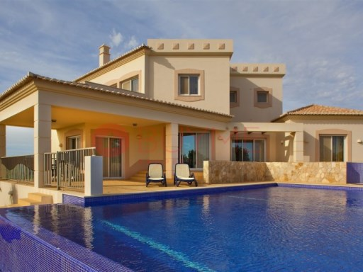 4 bedroom villa with pool and garden | 4 Bedrooms | 4WC
