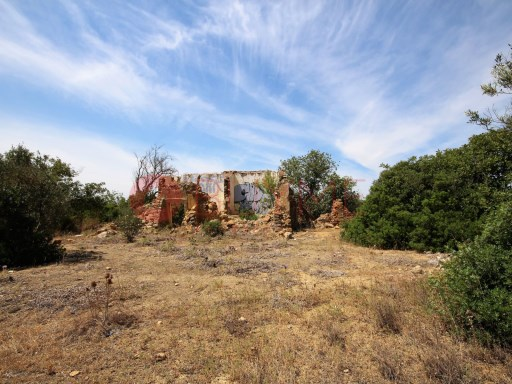Plot of urban land for sale in Quarteira |