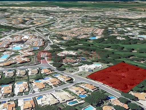 Lot for sale in Vilamoura Golf front |