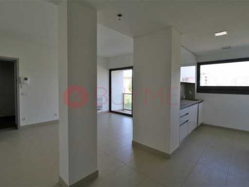 Apartment set in excellent quality condo by the beach | 1 Bedroom | 2WC