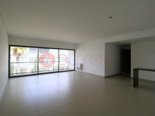 Apartment set in excellent quality condo by the beach | 2 Bedrooms | 2WC