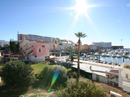Studio apartment +2 located in first-line of the Vilamoura Marina. | 0 Bedrooms + 2 Interior Bedrooms | 1WC