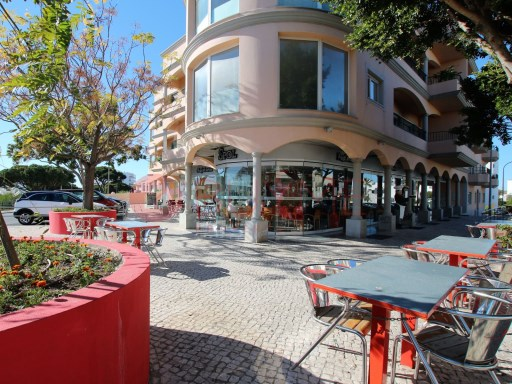 Cafe restaurant for sale in Quarteira |