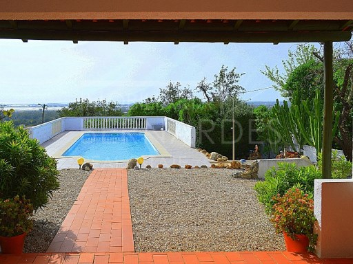 Two bedroom, country house, in Faro, Tavira of the area of Santo Estevão.