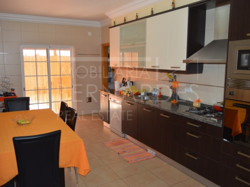 3 bedroom apartment in Olhão with patio | 3 Bedrooms | 2WC