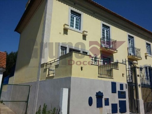 Semi-Detached House › Palmela | 3 Bedrooms | 5WC