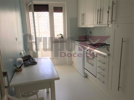 4 bedrooms with balcony in Almada | 4 Bedrooms | 2WC