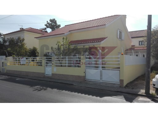 V4 Villa isolated in Choilo-Azeitão-OPPORTUNITY | 4 Bedrooms | 3WC
