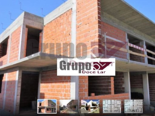 Vivienda pareada › Setúbal | 4 Habitaciones | 2WC