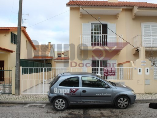 House › Sesimbra | 3 Bedrooms | 2WC
