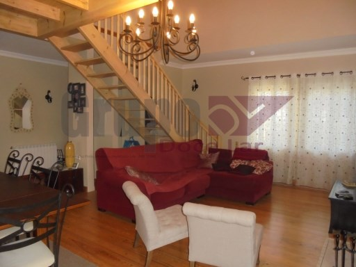 House › Setúbal | 4 Bedrooms | 2WC
