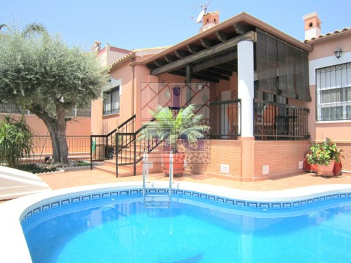 VILLA WITH POOL ON FLOOR | 4 Bedrooms | 3WC