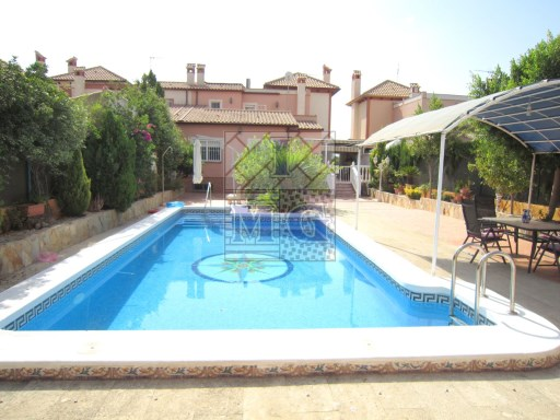 VILLA WITH SWIMMING POOL | 4 Bedrooms | 4WC