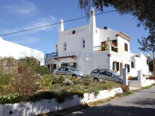 REDUCED PRICE FROM 275.000 TO 260.000 EUROS HOUSE IN FONTE SANTA, WITH EXTRA SMALL GUESTHOUSE | 3 Pièces + 1 Chambre intérieur