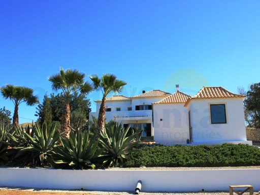 4 BEDROOM detached villa in Almargem!! REDUCED FROM 475-375.000 EUROS | 4 Bedrooms | 3WC