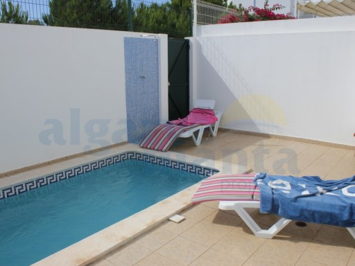 GRANDE VALEUR 3 BEDROOM HOUSE WITH PRIVATE POOL IN CASTRO MARIM À PROXIMITÉ DE LA VILLE | 4 Pièces