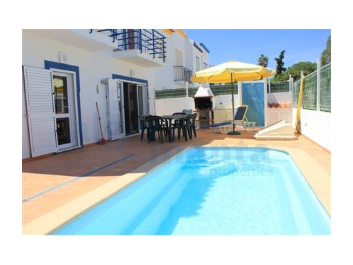 REDUCED!! FANTASTIC DETACHED VILLA WITH PRIVATE POOL VERY CLOSE TO LOTA BEACH, SOLD FULLY FURNISHED AND EQUIPPED. ALSO HAS LEGAL RENTAL LICENCE | 4 Bedrooms + 1 Interior Bedroom | 3WC