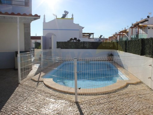 CORNER VILLA WITH PRIVATE POOL NEAR THE BEACH OF MANTA ROTA. | 3 Bedrooms + 1 Interior Bedroom | 3WC