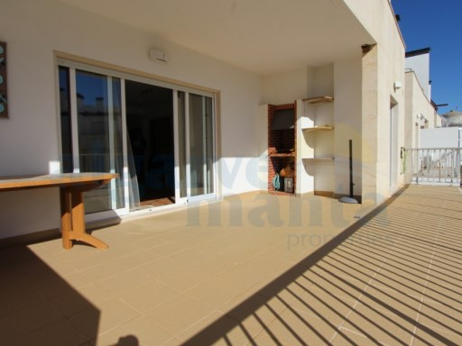 STUNNING 3 BEDROOM APARTMENT, IN CONDO IN THE BEAUTIFUL FISHING VILLAGE OF SANTA LUZIA, INTERIOR AND EXTERIOR POOL, PARKING 2 CARS | 3 Habitaciones | 3WC