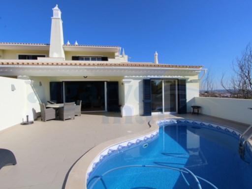 STUNNING VILLA WITH PRIVATE POOL, PARKING, FANTASTIC VIEWS ON A GOLF COURSE IN CASTRO MARIM. | 3 Habitaciones | 3WC