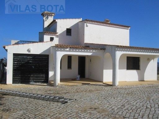 Villa for sale – Algarve – Santa Bárbara de Nexe. | 4 Bedrooms