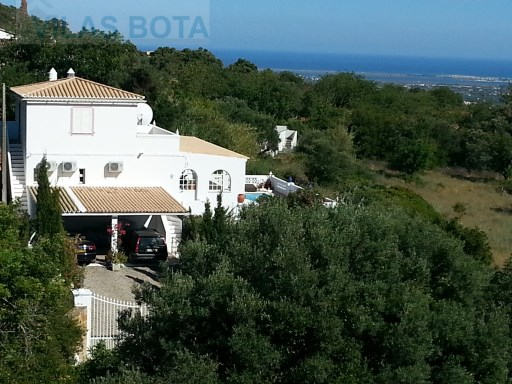 Villa for sale – Algarve – Estoi. | 4 Bedrooms | 3WC