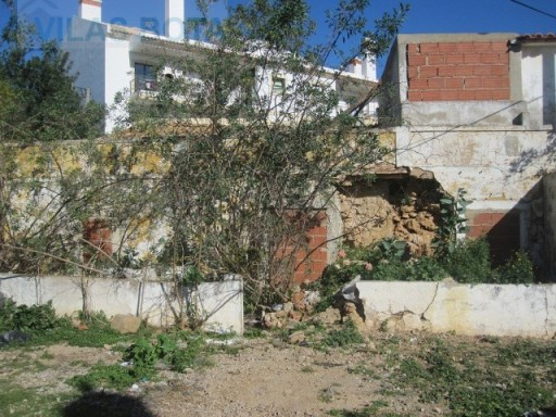 Old house for sale – Algarve – Almancil. |