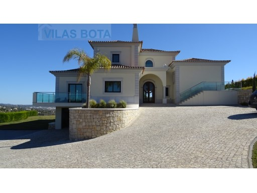 4 bedroom villa with magnificent sea and mountain views. | 4 Bedrooms | 5WC