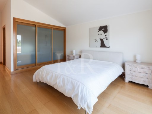 4 BEDROOM DUPLEX APARTMENT WITH TERRACE IN PRIVATE CONDOMINIUM IN CASCAIS | 4 Bedrooms | 1WC