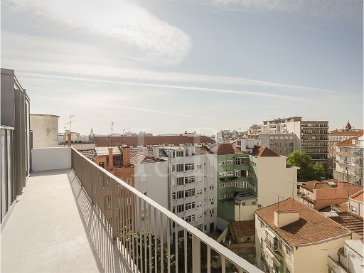 4 BEDROOMS APARTMENT, TOP FLOOR, TERRACES, OPEN VIEW, EXCELLENT AREA, NOBLE ZONE IN LISBON | 4 Bedrooms