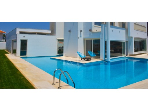 FANTASTIC 7 BEDROOM VILLA IN ERICEIRA | 7 Bedrooms | 5WC