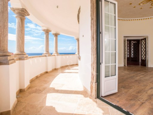 FULLY RECOVERED SMALL PALACE - SINTRA - 'PRAIA DAS MAÇÃS' | 9 Bedrooms