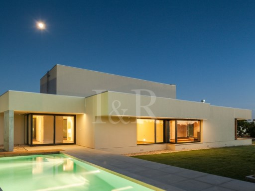 LUXURY 5 BEDROOM VILLA WITH POOL IN BELAS, SINTRA | 5 Bedrooms | 6WC