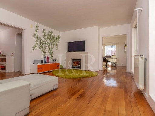 3 BEDROOM APARTMENT IN CHIADO, LISBON WITH BALCONY FOR SALE | 3 Bedrooms | 2WC