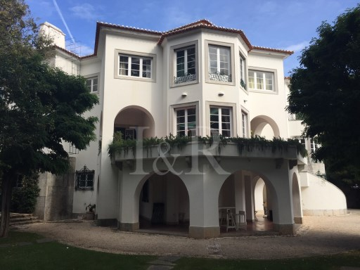 MAGNIFICENT VILLA IN RESTELO, LISBON |
