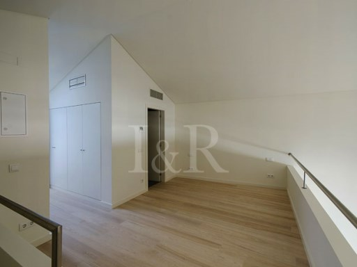 EXCELLENT LOFT IN PRIVATE CONDOMINIUM IN THE HISTORIC CENTER OF LISBON | 1 Bedroom | 1WC