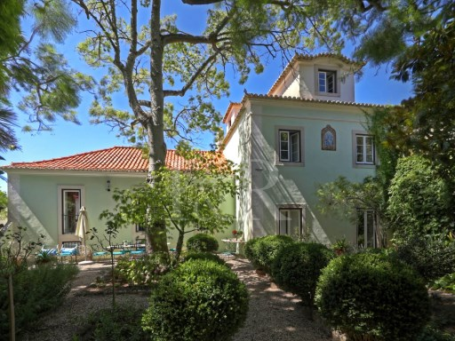 ROMANTIC 6 BEDROOM VILLA WITH LUXURIOUS GARDEN AND UNIQUE VIEWS IN SINTRA | 6 Bedrooms | 6WC